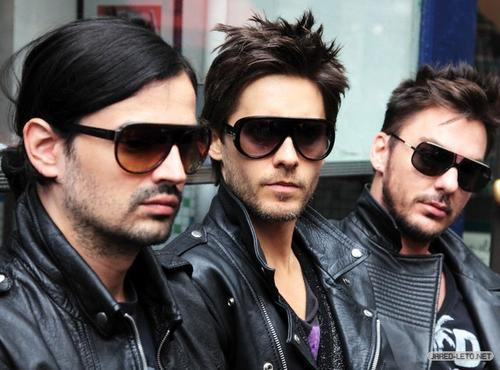 30 seconds to mars Actual Size Image
