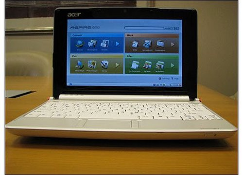 Acer Aspire one Actual Size Image