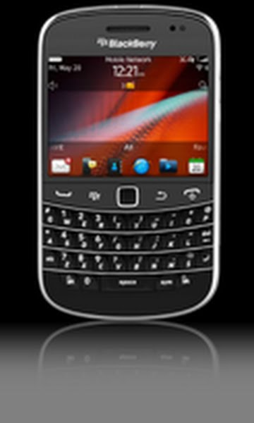 Blackberry Bold 9900 Actual Size Image