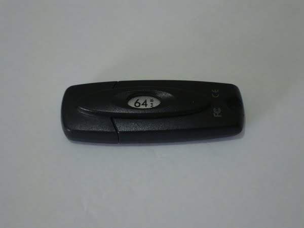 DELL 64 MB Flash Drive (2) Actual Size Image